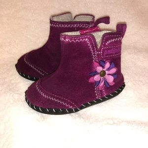 Pediped Suede Boots size 5.5 (EU 21)